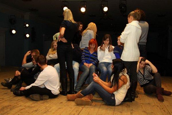 занятия в театральном кружке